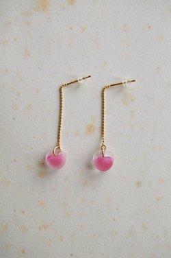 画像1: ガラスビースのピアス -pink-